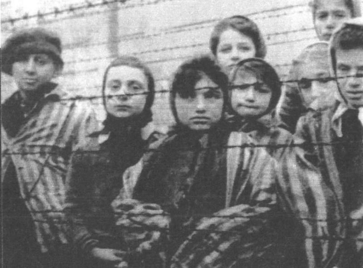 """σχετικά με την 2 Αυγούστου """"Ημέρα Μνήμης του Ολοκαυτώματος των Ρομά""""  και τα πογκρόμ του ελληνικού κράτους σε Λακωνία και Μεσσηνία"""